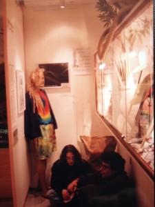 Activités culturelles dans un célèbre musée d'Amsterdam Ca manquait de chaises...